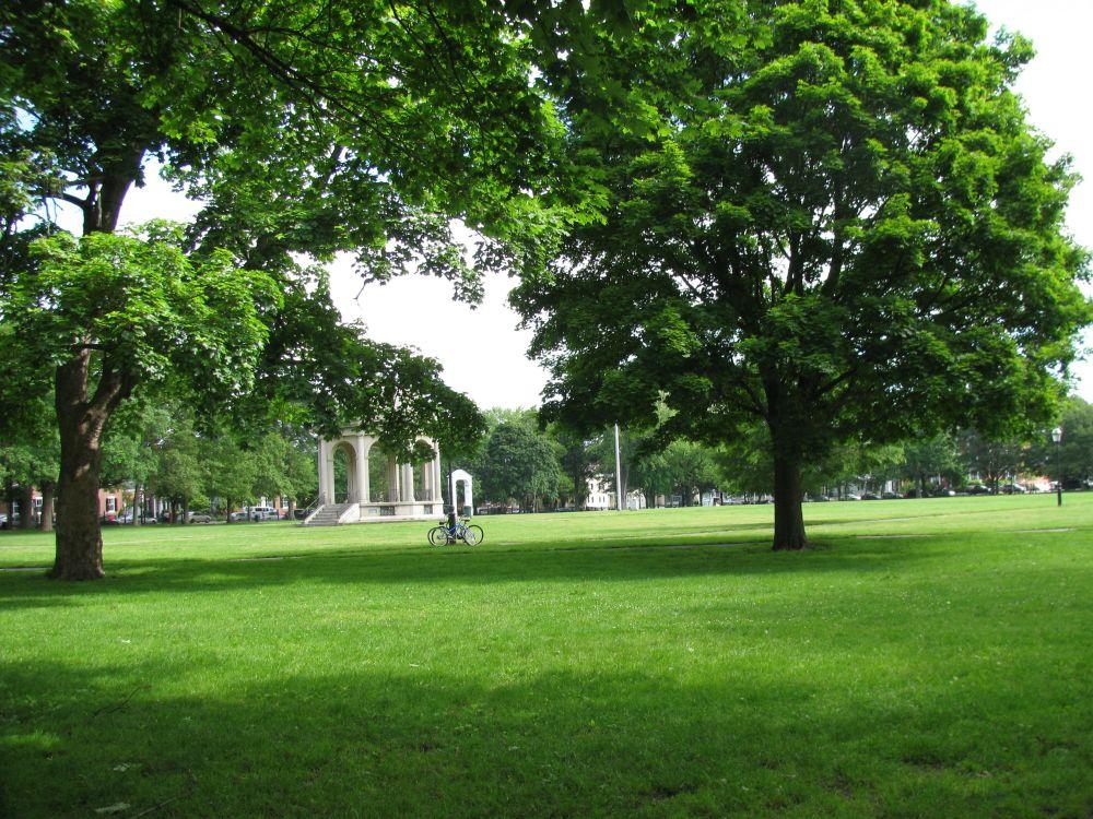 Salem 101: A Walk around Salem Common (1/6)
