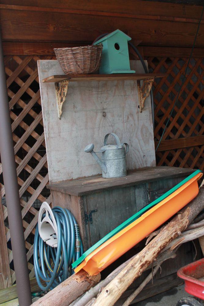 Potting Bench Heaven (1/6)